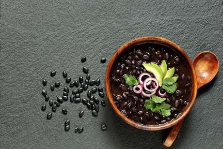 Guia da Cozinha - 5 alimentos que podem ajudar quem tem intestino preso