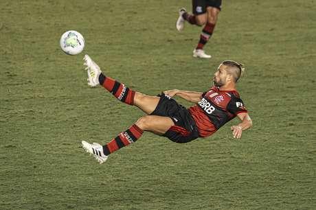 iego Ribas durante jogo entre Santos e Flamengo, partida valida pela sexta rodada do Campeonato brasileiro 2020, no estadio Urbano Caldeira na Vila Belmiro, litoral do estado de Sao Paulo.