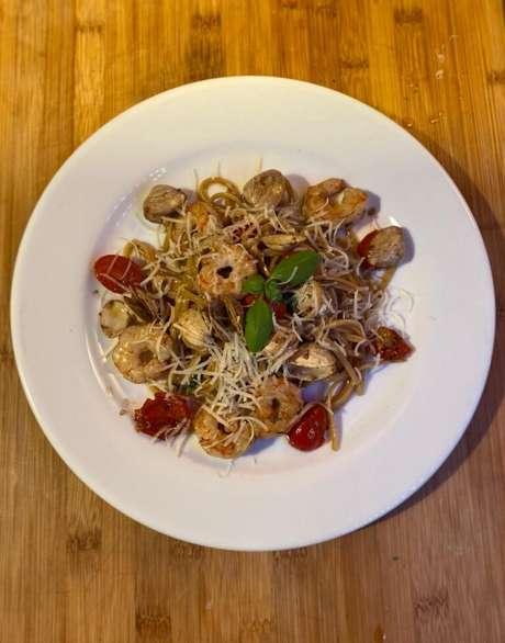 Guia da Cozinha - Linguine com frutos do mar: uma refeição rápida e sofisticada