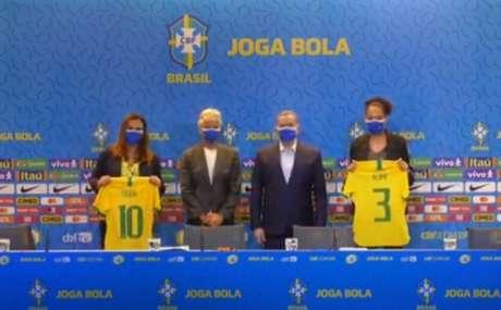 Duda Luizelli, Pia Sundhage, Rogério Caboclo e Aline Pellegrino (Foto: Reprodução/CBF TV)