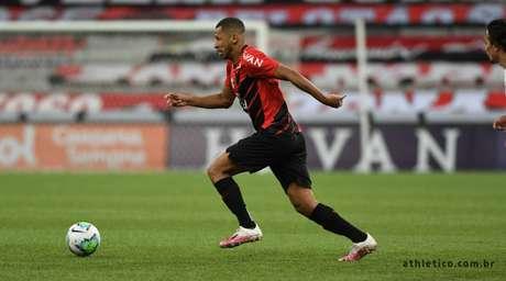 Fabinho, ex-São Paulo, estreou pelo Athletico-PR (Foto: Divulgação/Athletico-PR)
