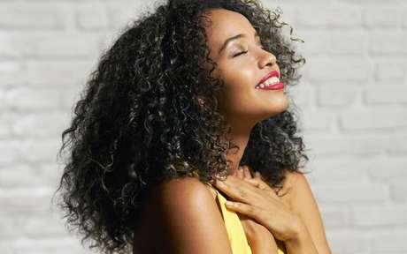Mulher negra agraciada
