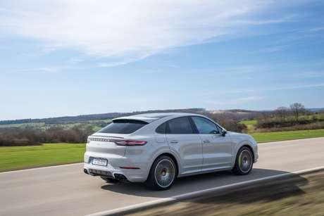 Dois Novos Porsche Cayenne Coupe A Venda E Hybrid E Turbo