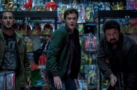 Frenchie, Hughie e Butcher durante cena de 'The Boys'; 6º episódio é um dos melhores da temporada