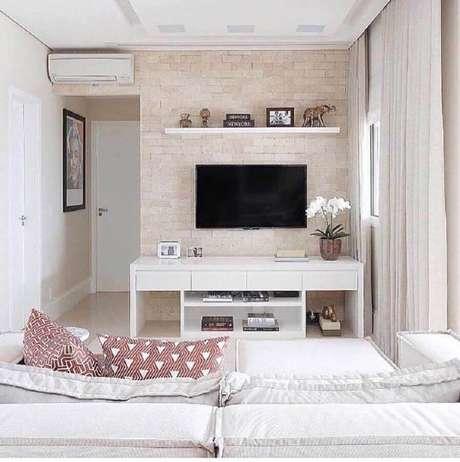 1. Saiba como usar a TV na parede da decoração de sua casa – Foto: Últimas Decoração