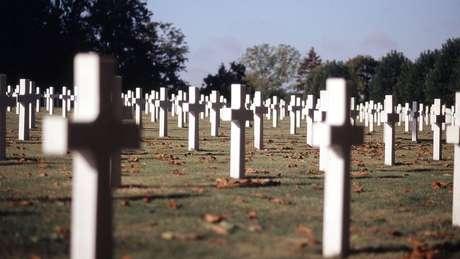 Trump cancelou uma visita ao cemitério de Aise-Marne, onde os mortos na batalha de Belleau estão enterrados