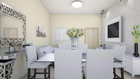 36- Aparador em sala de jantar reflete a moldura do quadro. Fonte: Angélica Rodruigues