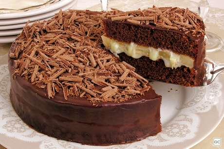 Guia da Cozinha - 7 bolos recheados e práticos para provar no lanche da tarde