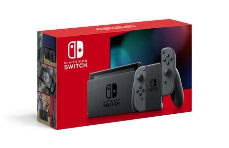 Caixa do Nintendo Switch, com os Joy-Cons na versão cinza