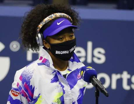 Tenista Naomi Osaka usou máscara em homenagem a Breonna Taylor
