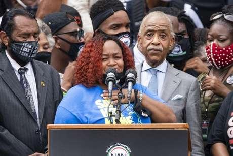 Mãe de Breonna Taylor participou de evento pedindo justiça