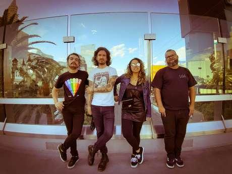 Com 9 turnês fora do Brasil, Camarones Orquestra Guitarrística tem receita maior no Bandcamp