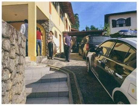 Dois dias depois do crime, perícia foi realizada na casa do casal