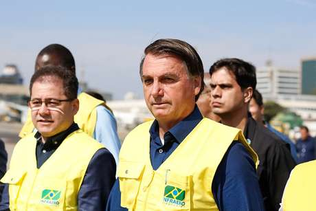 Presidente durante durante visita às obras de recuperação da pista principal do Aeroporto de Congonhas