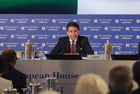 Giuseppe Conte destacou as ações de seu governo para combater a pandemia