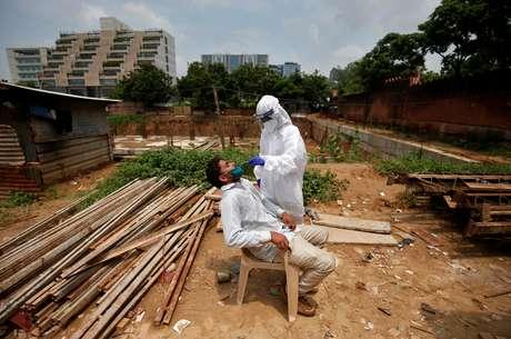 Índia deve se tornar na segunda-feira o segundo país com mais infecções por coronavírus no mundo