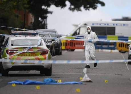 Esfaqueamentos mataram ao menos uma pessoa e deixaram sete feridas na cidade de Birmingham