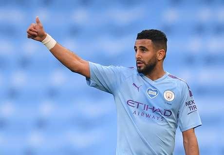 Mahrez é um dos jogadores do Manchester City com coronavírus