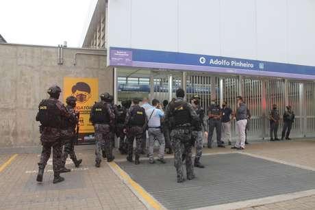 Sequestro com refém na estação Adolfo Pinheiro da linha 5-lilás, em São Paulo (SP)