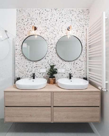 22. Você já pensou em usar dois espelhos para banheiro redondo? Fica lindo! – Foto: We Heart It