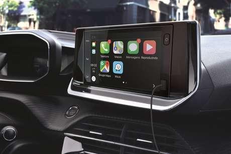 Conectividade Android Auto e Apple CarPlay também está disponível no novo Peugeot 208.