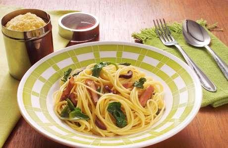 Guia da Cozinha - 7 receitas práticas com agrião para provar no jantar