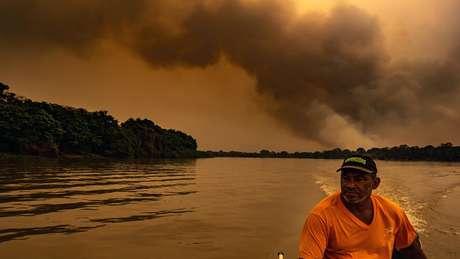 Moradores da região também sofrem com as queimadas que atingem o bioma