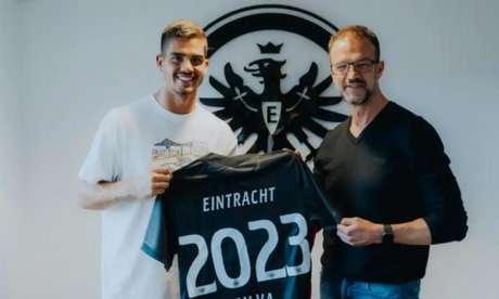 André Silva marcou16 gols na última temporada, sendo 12 deles na Bundesliga e convenceu a diretoria doEintracht Frankfurt a contratá-lo em definitivo(Divulgação/Eintracht Frankfurt)