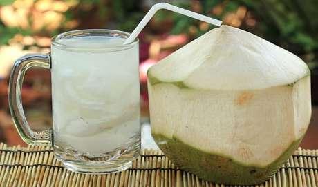 Guia da Cozinha - 7 drinks diferentes e deliciosos para relaxar no final de semana