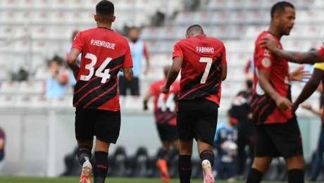 Athletico-PR derrota o Coritiba com gol de Fabinho