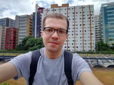 Selfie registrada com o Moto G8