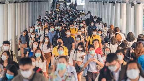 Existe evidência científica de que o uso de máscaras ajuda a frear a propagação do coronavírus
