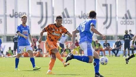 No 1º amistoso de Pirlo, Juventus goleia Novara com gol de Cristiano Ronaldo.