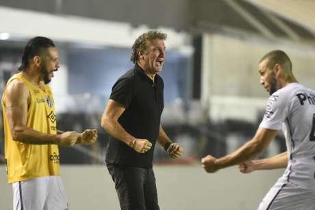 Cuca chegou ao décimo jogo em sua terceira passagem como técnico do Santos (Foto: Ivan Storti/Santos)