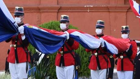 Os paraguaios ainda continuavam intrigados e comovidos com a morte das meninas