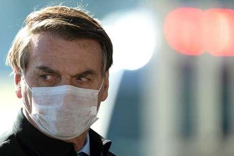 Bolsonaro diz que vetou parte do PL para não correr risco de impeachment