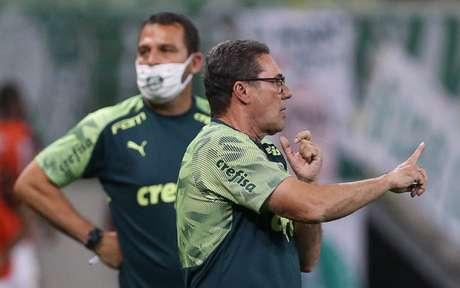 Luxemburgo orienta o time no empate contra o Sport (Foto: Alexandre Vidal / Flamengo)