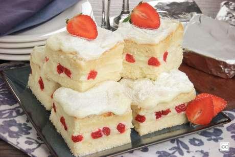 Guia da Cozinha - 7 receitas práticas de bolo gelado para experimentar no calor