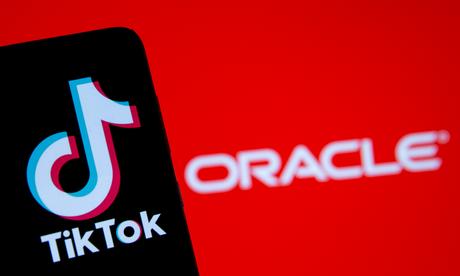 """O TikTok fechou """"parceria tecnológica"""" a companhia de informática Oracle para tentar permanecer nos EUA, sem ter de vender suas operações no país"""