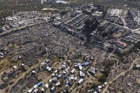 Incêndio destruiu diversos alojamentos no campo de Moria