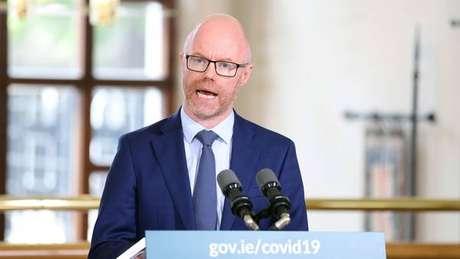 Ministro da Saúde apresentou sintomas do novo coronavírus