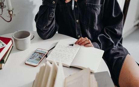 Escritaterapia é uma poderosa ferramenta de autoconhecimento -