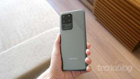 Sucessor de Samsung Galaxy S20 Ultra, Galaxy S21 deve ter câmera de 108 MP e duas lentes para zoom