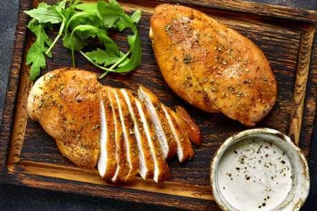 Guia da Cozinha - 7 maneiras de fazer frango na pressão para um almoço rápido