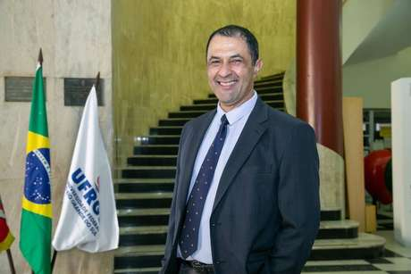Carlos André Bulhões Mendes