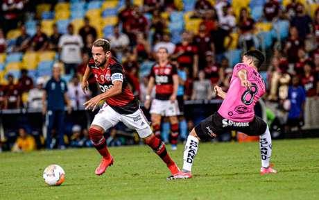 No último encontro, o Flamengo faturou a Recopa Sul-Americana diante do Del Valle (Foto: Marcelo Cortes / CRF)