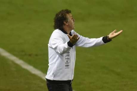 Cuca lamentou a má atuação do meio-campo santista (Foto:Ivan Storti/Santos FC)