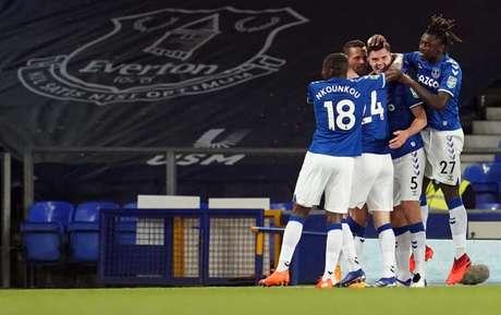 Everton começou a temporada com duas vitórias e nenhum gol sofrido (Foto: JON SUPER / POOL / AFP)