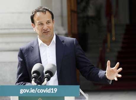 Leo Varadkar afirmou que os sintomas da Covid do ministro da Saúde foram um alarme falso