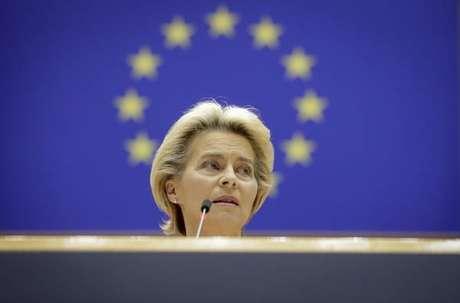 A presidente da Comissão Europeia, Ursula von der Leyen, em discurso no Parlamento da UE